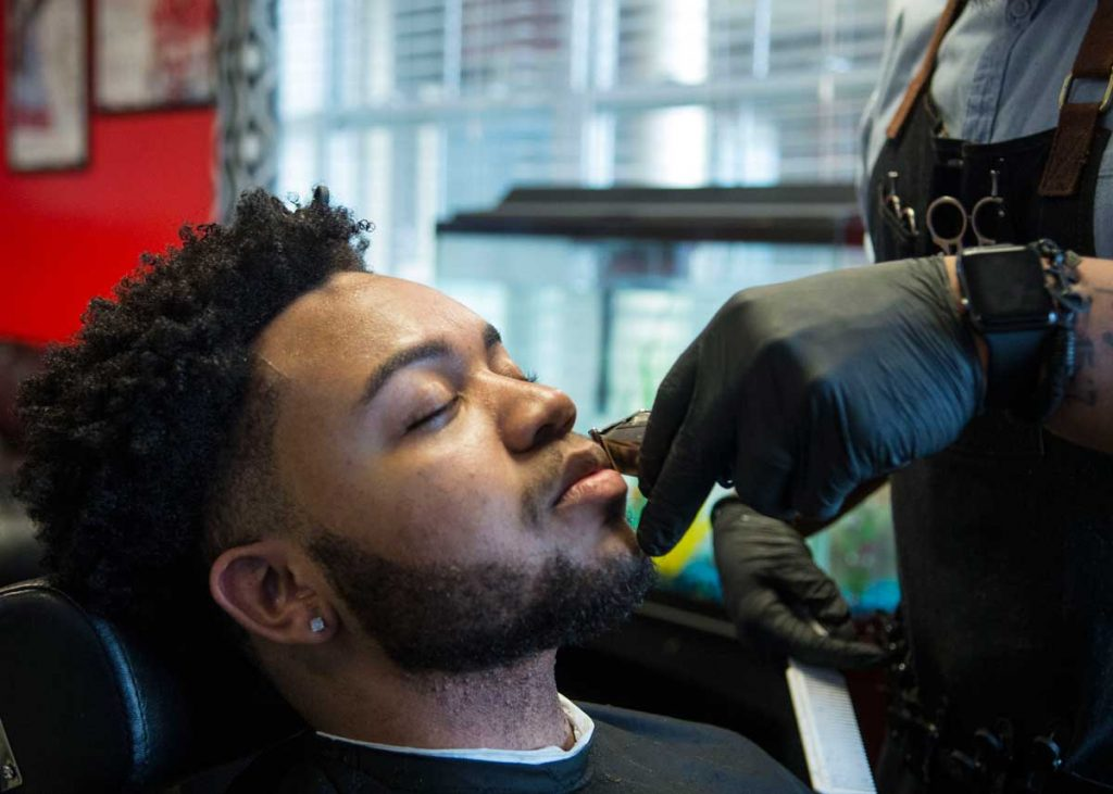 Local Barber Changes Clients Hair Brightens Attitudes The Daily