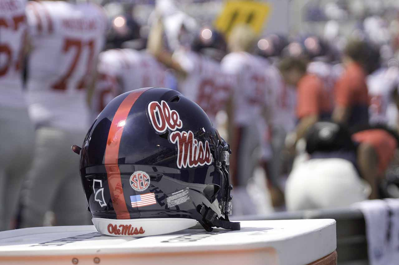 Recruits announce decommitments after Luke's firing - The Daily Mississippian