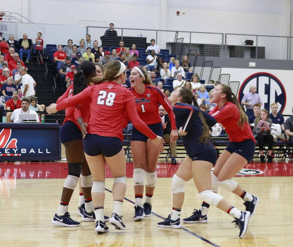 Volleyball Rebs undefeated in New Orleans
